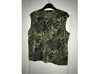 Womans black& green pattern top Size 14