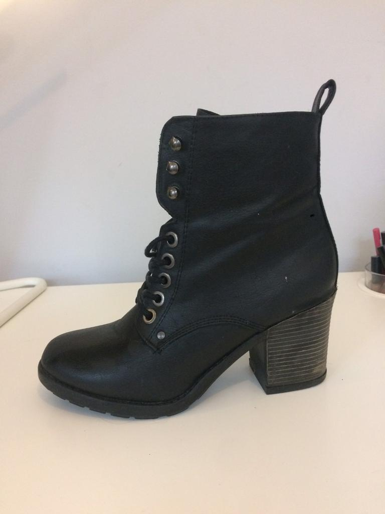 New look Boots size 5