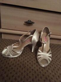 Beautiful Cream heels