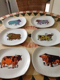 SIX BEEFEATER COLOURED BULL PLATES