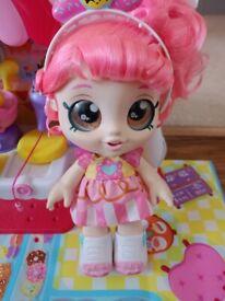 Kindi Doll and Supermarket - as new