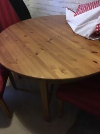 Solid wood pinetable seats 6