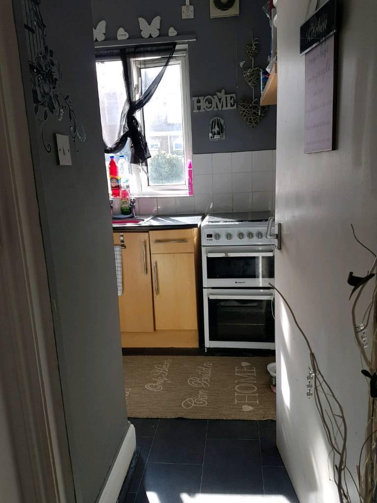 2 bed maisonette se18 swap for 2 bed house eltham,kidbrooke or lee area