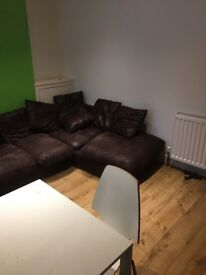 Double Room in great location available to rent immediately