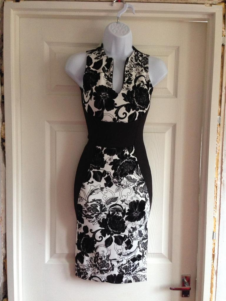 Black and white floral print New Look Dress