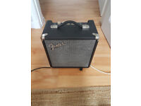 Fender bass amp 40W with mini-jack in and Headphone jack output