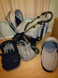 Oyster Max 2 with carrycot and car seat