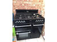 Gas Cooker 5 Burners - Good Condition