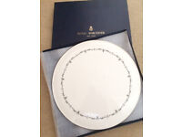Royal Worcester Gold Chantilly cake plate.