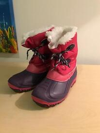 Girls winter snow boots size UK adult 3