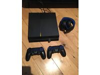 Playstation 4 bundle (wireless bluetooth headset, 2 controllers, +5 games incl. Battlefield 1)