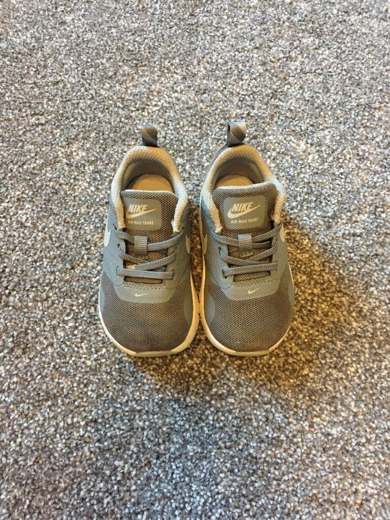 Child's Nike air max trainers size 4.5
