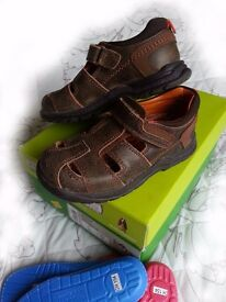 Hush Puppies full leather sandals with extra soles!!!