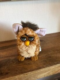 Furby 1998 Tiger toys in very good condition with carry bag.