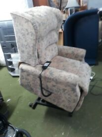 electric riser and recliner patterned cloth armchair