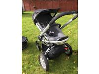 FREE Quinny Buzz 4 with carrycot *breaks need fixedd