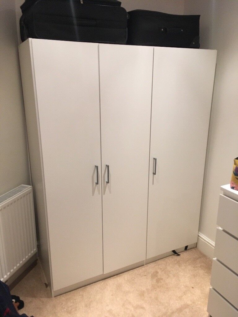White ikea domb s 3 door wardrobe in bournemouth dorset for Ikea guardaroba dombas