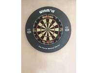 Winmau dart board with surround and heavy mat