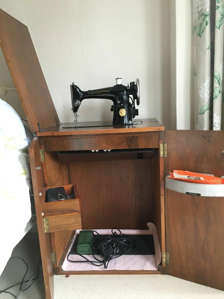 Vintage Electric Singer Sewing Machine With Cabinet And Fold Out