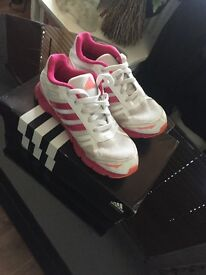 Small 5 adidas running trainers