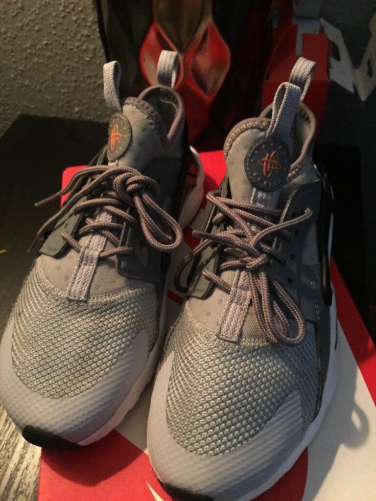 Nike huaraches 2.5