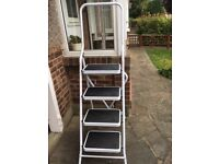 4 Tread Step Ladder - Brand New