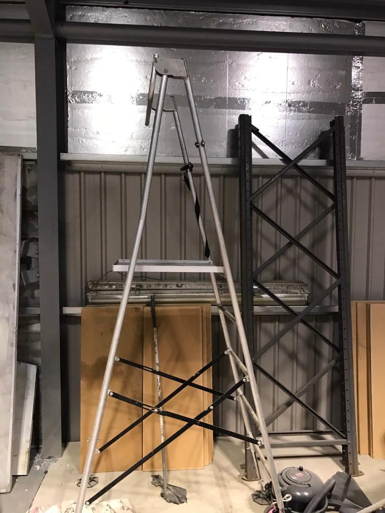 Hi step aluminium rough ground step ladder