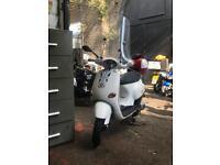 Vespa ET2 125 ( registered as 50cc)