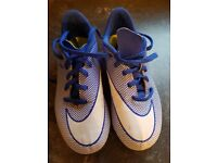 CHILD'D NIKE FOOTBALL BOOTS SIZE 1.5