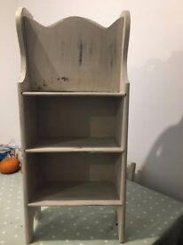 Wooden magazine rack with 2 shelves