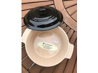 Le Creuset oven dish - new