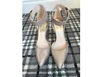 Gorgeous gold and beige suede shoes heels size 5 ladies dress shoes