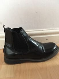 New look Chelsea boots (very small 7) more like 6
