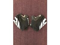 Cycling gloves / mits fingerless