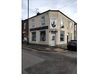 Shop & Flat for sale. Currently hairdressers & very large 1 bed flat but suit conversion to 2x2 bed
