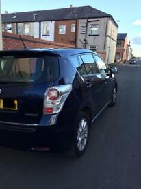 TOYOTA Verso blue 7 seven seater auto 2.2 diesel 2011 fully loaded