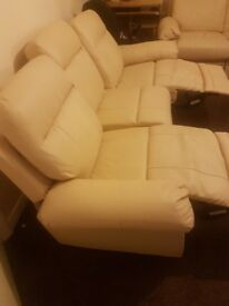 Comfortable recliner sofa to a good home £500 ono