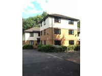 Large One Bed Flat, Lady's Close next to Watford Girls Grammar School
