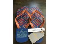Brand NEW flip flops 8/9