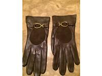 Loewe Buckle Brown Leather Gloves