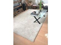 Large cream rug 3m x 2m