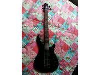 3/4 size electric bass guitar. Perfect for a young/smaller beginner