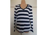 Brand new tagged Gap top size Large