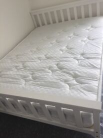 Room to rent. Double, Furnished & bills included. Close to universities, stations & town centre.