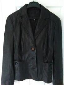 Ladies lovely Rocha fashionable short REAL leather jacket size 10 Black