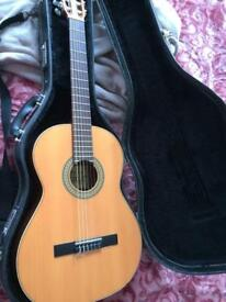 Excellent condition Raimundo 112 classical guitar with case.