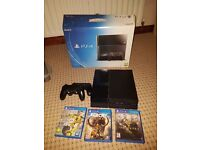 Playstation 4 Bundle 2 Controllers 3 Games
