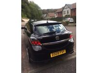Vauxhall Astra 1.8 SRI Black with alloy wheels low mileage (35500) with year's MOT