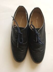 Ladies brogues blue