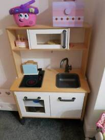Play kitchen with loads of extras